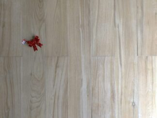 porcelain tile that looks like Maple wood in light earth tones