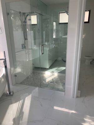 White tile baranello in bathroom