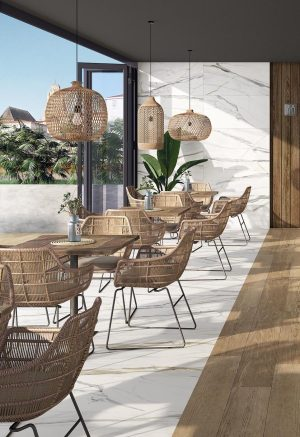 Porcelain tile that looks like Calacatta Gold Marble in a commercial space